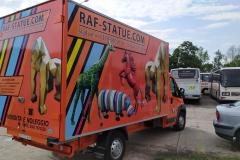 Reklama na busie vanie firmowym RAF-STATUE. Włochy