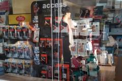 Osłona zabezpieczająca z plexiglas 4 mm zaginanego termicznie do sklepu medycznego