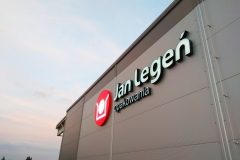 Logotyp napis podświetlany 3D LED wykonany w technice liter blokowych z taśmy ALURAPID. Zakłady Jan Legeń w Jaworze