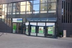 Kompleksowe wyklejanie witryny siedziby biura oddziału firmy Promedica24 w Szczecinie
