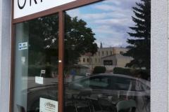 Kompleksowe wyklejanie witryny siedziby biura oddziału Oriflame w Zgorzelcu